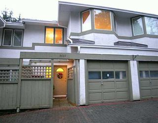 """Photo 1: 2653 FROMME Road in North Vancouver: Lynn Valley Townhouse for sale in """"CEDAR WYND"""" : MLS®# V624294"""