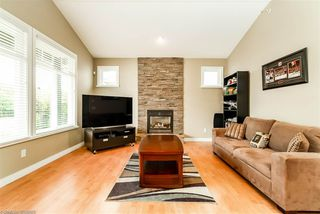 Photo 2: 1045 DOMINION AVENUE in Port Coquitlam: Riverwood House for sale : MLS®# R2305217