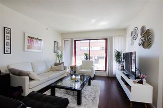 Photo 2: 1403 811 Helmcken Street in Vancouver: Downtown VW Condo for sale (Vancouver West)  : MLS®# R2354342