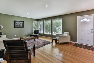 Photo 5: 1912 10 Avenue NW in Calgary: Hounsfield Heights/Briar Hill Detached for sale : MLS®# C4301654