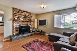 Photo 8: 1912 10 Avenue NW in Calgary: Hounsfield Heights/Briar Hill Detached for sale : MLS®# C4301654