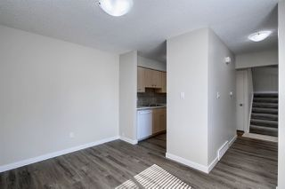 Photo 7: 5837 RIVERBEND Road in Edmonton: Zone 14 Townhouse for sale : MLS®# E4202774