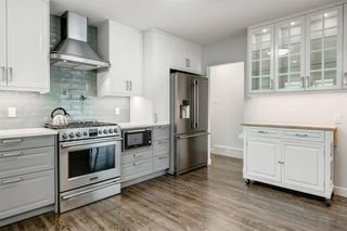 Photo 4: 2715 42 Street SW in Calgary: Glendale Detached for sale : MLS®# A1034490