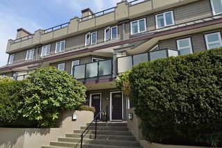 Photo 1: 148 W 18TH Street in North Vancouver: Central Lonsdale Townhouse for sale : MLS®# V1021367