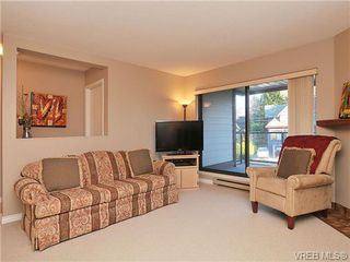 Photo 8: 207 420 Parry Street in VICTORIA: Vi James Bay Residential for sale (Victoria)  : MLS®# 332096