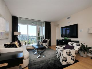 Photo 2: 407 100 Saghalie Rd in VICTORIA: VW Songhees Condo Apartment for sale (Victoria West)  : MLS®# 681099