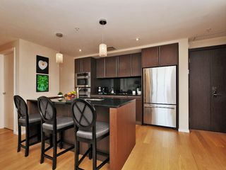 Photo 7: 407 100 Saghalie Rd in VICTORIA: VW Songhees Condo Apartment for sale (Victoria West)  : MLS®# 681099