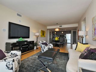 Photo 3: 407 100 Saghalie Rd in VICTORIA: VW Songhees Condo Apartment for sale (Victoria West)  : MLS®# 681099