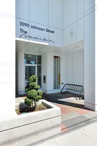 Photo 3: 208 1090 Johnson Street in Victoria: Vi Downtown Condo Apartment for sale