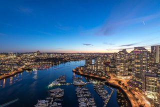 Photo 4: 3606 1033 MARINASIDE CRESCENT in Vancouver: Yaletown Condo for sale (Vancouver West)  : MLS®# R2346503