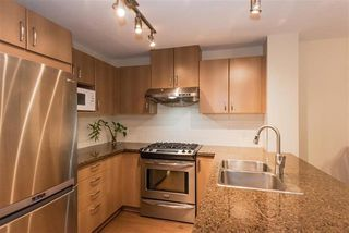 Photo 3: 412 3050 Dayanee Springs in Coquitlam: Westwood Plateau Condo for sale : MLS®# R2344015