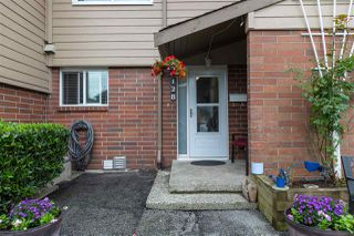 Photo 2: 128 10732 GUILDFORD Drive in Surrey: Guildford Townhouse for sale (North Surrey)  : MLS®# R2405909