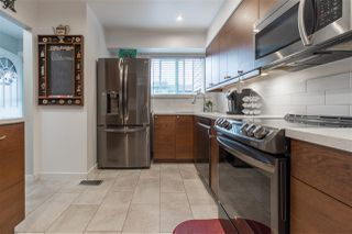 Photo 6: 128 10732 GUILDFORD Drive in Surrey: Guildford Townhouse for sale (North Surrey)  : MLS®# R2405909