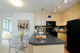 Photo 8: 907 819 HAMILTON STREET in 8-1-9 HAMILTON: Home for sale