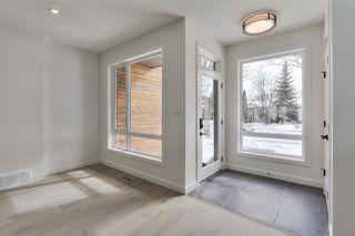 Photo 2: 9136 71 Avenue in Edmonton: Zone 17 House for sale : MLS®# E4192608