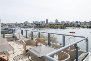 "Main Photo: 603 1383 MARINASIDE Crescent in Vancouver: Yaletown Condo for sale in ""COLUMBUS"" (Vancouver West)  : MLS®# R2468309"