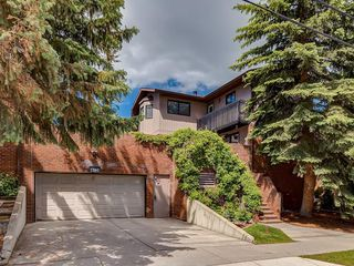 Main Photo: 4 1760 8 Avenue NW in Calgary: Hounsfield Heights/Briar Hill Row/Townhouse for sale : MLS®# A1058258