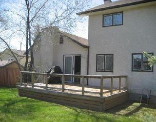 Photo 9: Beautiful Family home backing onto park!