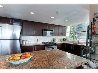 "Photo 7: 1405 120 MILROSS Avenue in Vancouver: Mount Pleasant VE Condo for sale in ""BRIGHTON"" (Vancouver East)  : MLS®# V971476"