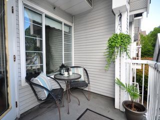 """Photo 3: 302 1433 E 1ST Avenue in Vancouver: Grandview VE Condo for sale in """"GRANDVIEW GARDENS"""" (Vancouver East)  : MLS®# V1011598"""