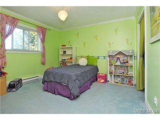 Photo 12: 1270 Lidgate Crt in VICTORIA: SW Strawberry Vale Single Family Detached for sale (Saanich West)  : MLS®# 643808