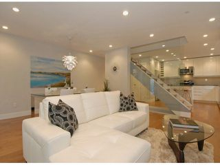 Photo 3: # 2 1466 EVERALL ST: White Rock Condo for sale (South Surrey White Rock)  : MLS®# F1317796