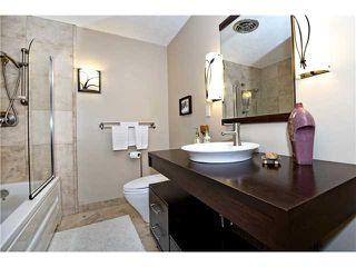 Photo 10: 6520 LARKSPUR Way SW in CALGARY: North Glenmore Residential Detached Single Family for sale (Calgary)  : MLS®# C3623870