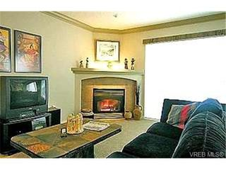 Photo 2:  in VICTORIA: VR Glentana Row/Townhouse for sale (View Royal)  : MLS®# 355888