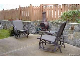 Photo 9:  in VICTORIA: SE High Quadra Row/Townhouse for sale (Saanich East)  : MLS®# 399404