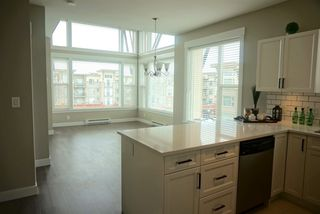Photo 6: 402 33538 MARSHALL ROAD in Abbotsford: Central Abbotsford Condo for sale : MLS®# R2178045