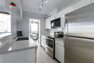 "Photo 8: 1502 939 HOMER Street in Vancouver: Yaletown Condo for sale in ""The Pinnacle"" (Vancouver West)  : MLS®# R2421696"