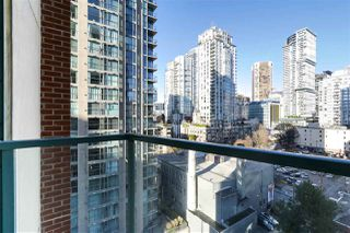 "Photo 11: 1502 939 HOMER Street in Vancouver: Yaletown Condo for sale in ""The Pinnacle"" (Vancouver West)  : MLS®# R2421696"