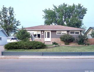 Photo 1: 287 Duncan Road in Estevan: Hillcrest RB Residential for sale : MLS®# SK813910