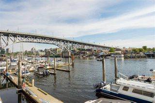 """Photo 20: 2505 1372 SEYMOUR Street in Vancouver: Downtown VW Condo for sale in """"The Mark - Onni"""" (Vancouver West)  : MLS®# R2504998"""