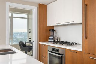 """Photo 4: 2505 1372 SEYMOUR Street in Vancouver: Downtown VW Condo for sale in """"The Mark - Onni"""" (Vancouver West)  : MLS®# R2504998"""