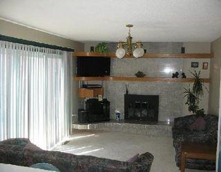 Photo 4: Beautiful 4 Bedroom home on the lake!