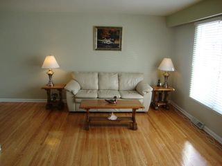 Photo 3: 217 Doran Bay in WINNIPEG: Westwood / Crestview Residential for sale (West Winnipeg)  : MLS®# 1303708