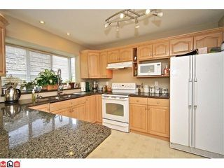 "Photo 4: 102 4001 OLD CLAYBURN Road in Abbotsford: Abbotsford East Townhouse for sale in ""CEDAR SPRINGS"" : MLS®# F1306251"