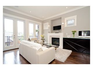 Photo 2: 3159 W KING EDWARD Avenue in Vancouver: Dunbar House for sale (Vancouver West)  : MLS®# V999800