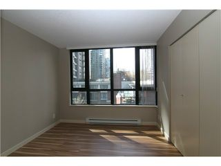 "Photo 5: # 509 909 MAINLAND ST in Vancouver: Yaletown Condo for sale in ""Yaletown Park"" (Vancouver West)  : MLS®# V1005095"