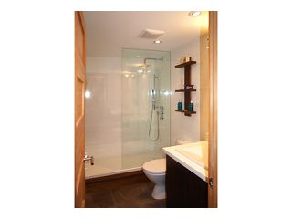 "Photo 3: # 301 1510 W 1ST AV in Vancouver: False Creek Condo for sale in ""MARINER POINT"" (Vancouver West)  : MLS®# V1026400"