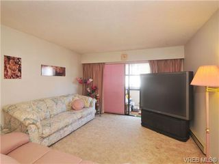 Photo 2: 206 929 Esquimalt Rd in VICTORIA: Es Old Esquimalt Condo for sale (Esquimalt)  : MLS®# 677584