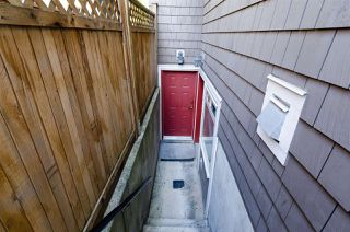 Photo 4: 1252 E 11TH AVENUE in Vancouver: Mount Pleasant VE House 1/2 Duplex for sale (Vancouver East)  : MLS®# R2002820