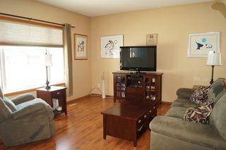Photo 6: 85 Oakbank Drive in Oakbank: Single Family Detached for sale : MLS®# 1602936