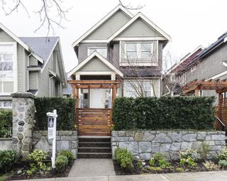 Photo 20: 1833 NAPIER STREET in Vancouver: Grandview VE House 1/2 Duplex for sale (Vancouver East)  : MLS®# R2043418