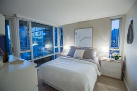 Photo 7: 806 - 8 Smithe Mews in Vancouver: Yaletown Condo for sale (Vancouver West)  : MLS®# R2032861
