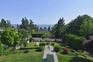 Photo 2: 13341 MARINE DRIVE in South Surrey: Crescent Bch Ocean Pk. House for sale (South Surrey White Rock)  : MLS®# R2073258