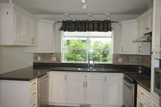 Photo 11: 113 4001 Old Clayburn Road in Abbotsford: Townhouse for sale : MLS®# R2280148