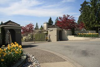 Photo 3: 113 4001 Old Clayburn Road in Abbotsford: Townhouse for sale : MLS®# R2280148