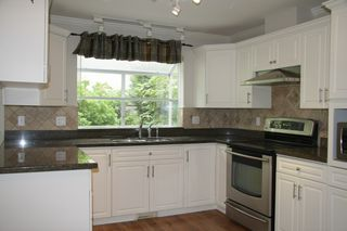 Photo 12: 113 4001 Old Clayburn Road in Abbotsford: Townhouse for sale : MLS®# R2280148